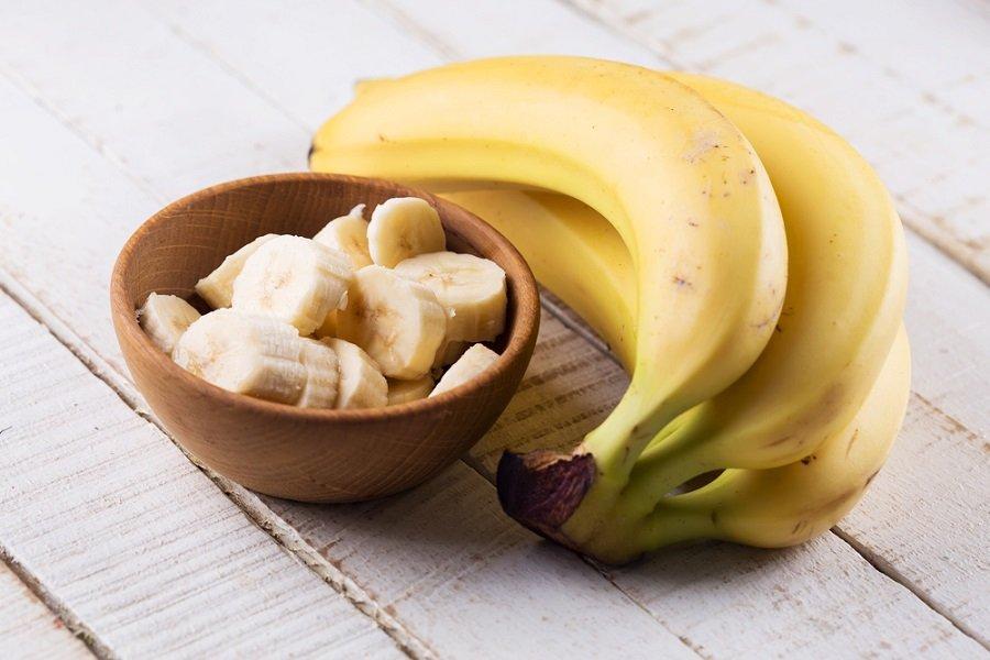 Misture a banana com uma máscara de hidratante para ter bons resultados