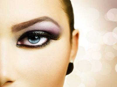 Precisa transformar sua maquiagem do dia em uma linda maquiagem para a noite? É fácil. Confira nossas dicas e arrase