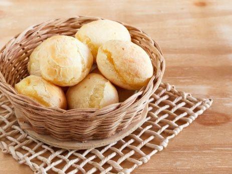 Saudável e saboroso, o pão de queijo é uma receita indispensável para qualquer brasileiro