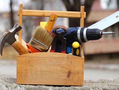 Ter uma boa caixa de ferramentas em mãos pode resolver muitas situações que precisam de conserto na sua casa.
