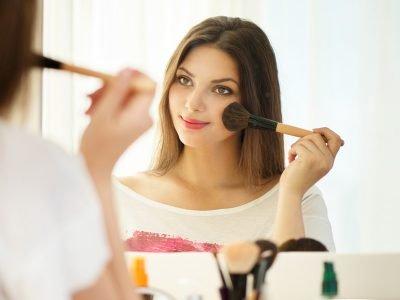 Confira esses aplicativos para maquiar para descobrir novas técnicas e se inspirar