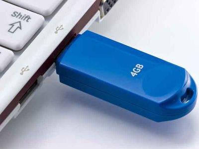 Quer liberar espaço ou está com problemas para armazenar? Então aprenda como formatar o pen drive!