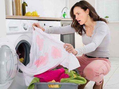 Quer aprender a remover manchas de tecidos? Então confira nossas dicas e veja como tirar manchas indesejadas das suas roupas. Vem que a gente Simplifica!