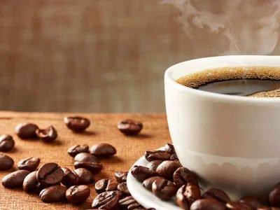 Nada como um café quentinho feito na hora! Mas como escolher entre Dolce Gusto ou Nespresso? Descubra aqui.
