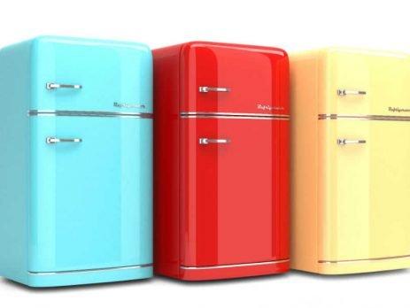 Quer mudar o visual da sua cozinha? Então que tal aprender como envelopar geladeira em casa? Vem que a gente Simplifica!