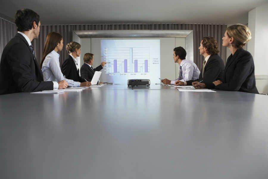 como-escolher-o-melhor-projetor-para-o-seu-negocio (3)