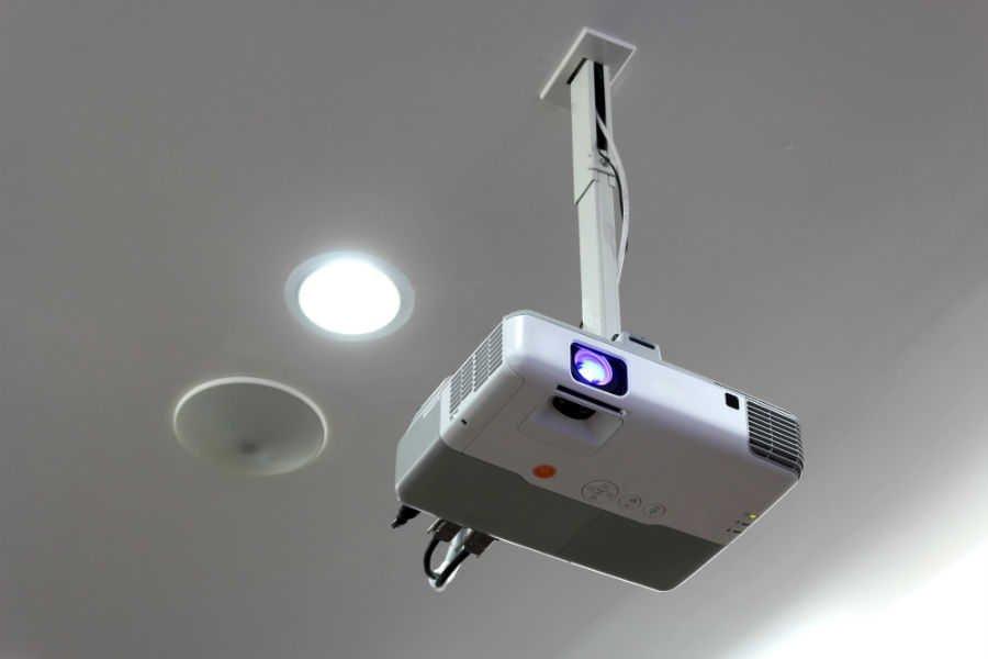 como-escolher-o-melhor-projetor-para-o-seu-negocio-tecnologias (2)
