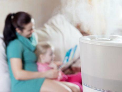 Você sabia que um umidificador de ar precisa ser limpo para garantir a segurança da sua família? Então vem aprender como limpar umidificador de ar